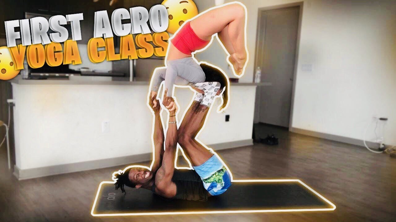MY FIRST ACRO YOGA CLASS (IT WAS INTENSE)